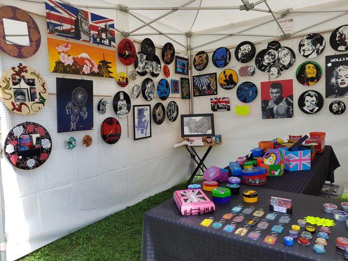 Expo «Art et Artisanat» juillet 2017 à Ornans + les nouvelles «petites boites» et vinyles / horloges